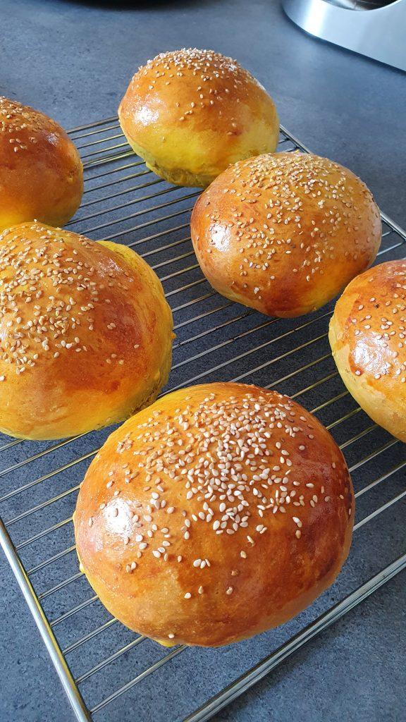 Kurkuma Hamburgerbrötchen