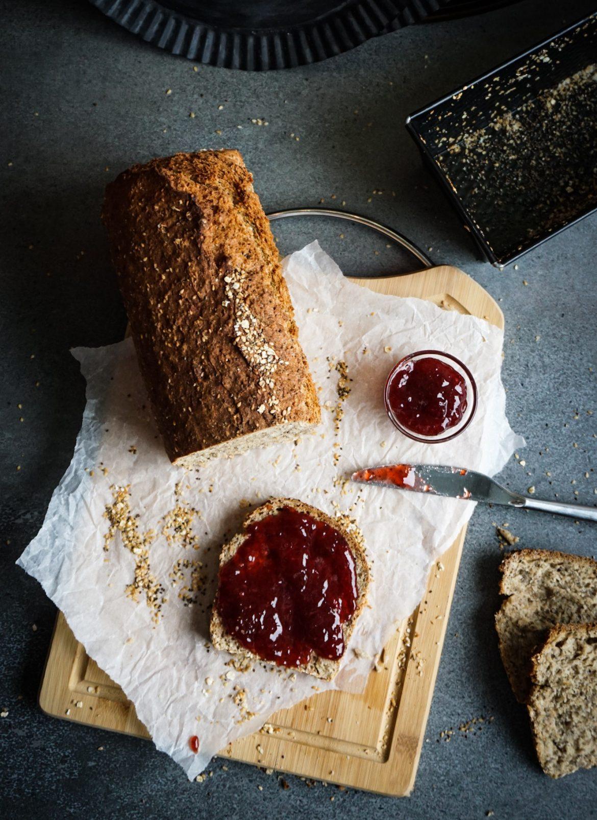 Dinkel Chia Brot